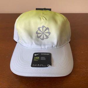 NWT Nike Aerobill Featherlight Dri-Fit Hat
